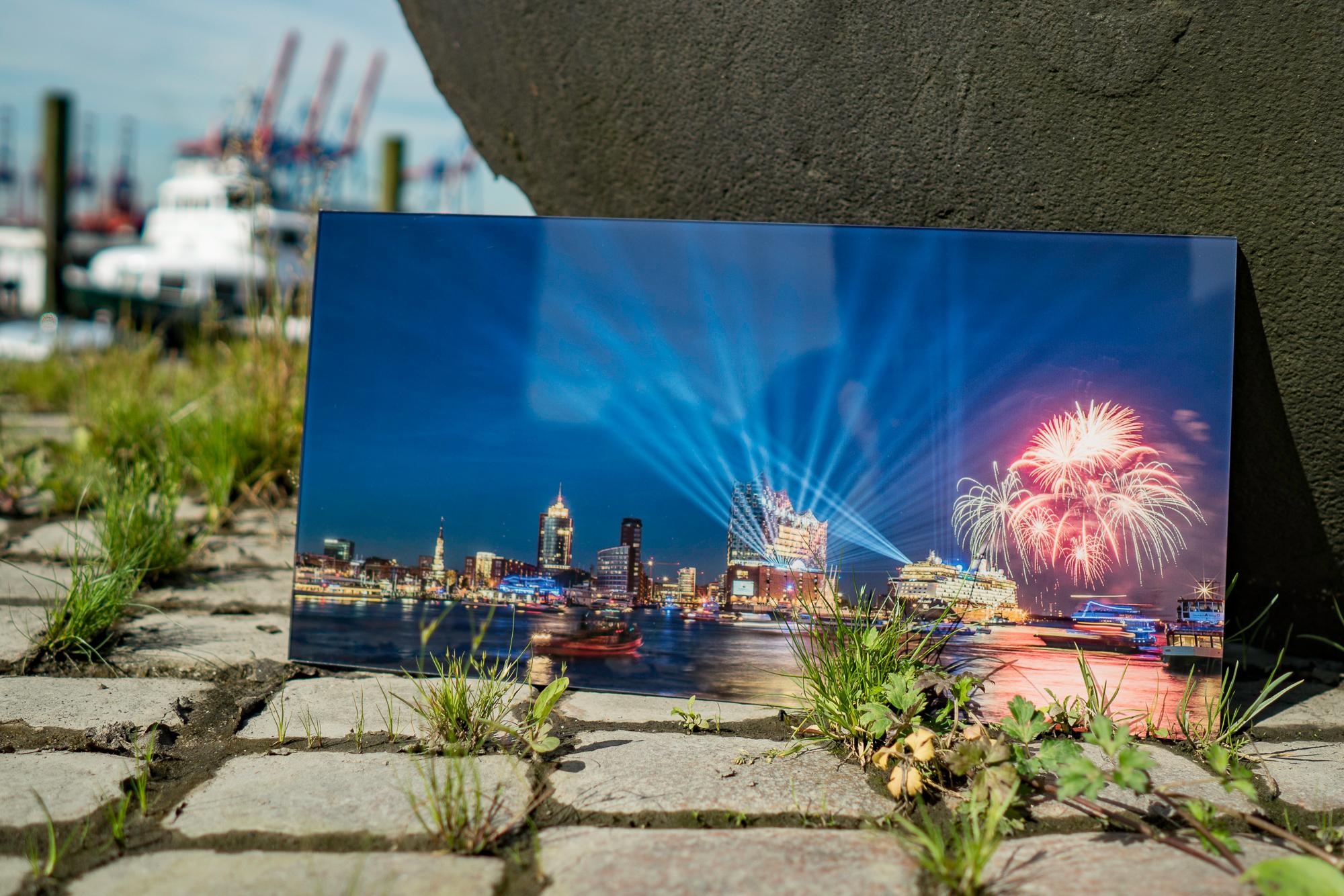 Galerieprint hinter Plexiglas von der Elbphilharmonie