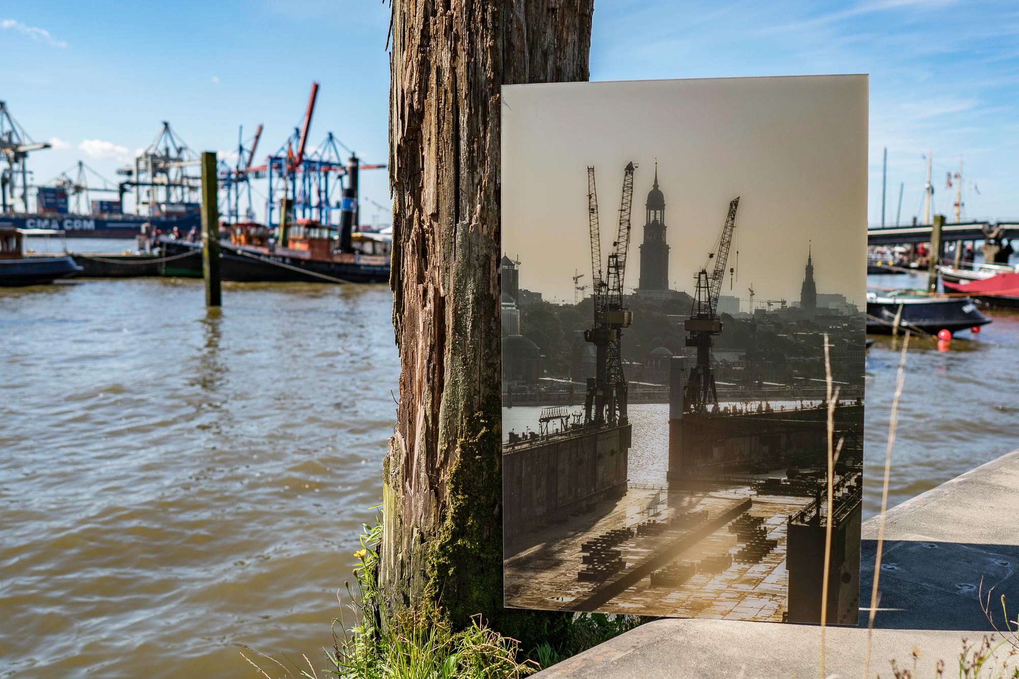 Hamburg Bild Galerieprint hinter Plexiglas von der Hamburger Elbphilharmonie